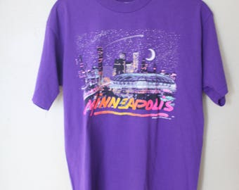 vintage minniapolis purple neon sklyline t shirt