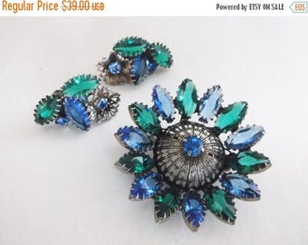 SALE Vintage Retro Juliana Rhinestone Flower Brooch Pin Earrings Blue Green Stones Demi Parure Set Jewelry