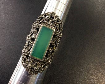 Silver Art Deco style marcasite and green agate ring