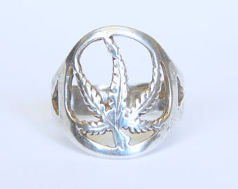 Vintage Sterling Pot Weed Ring Size 9.25 to 9.50