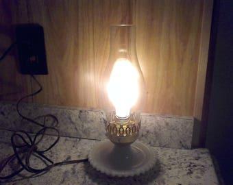 Vintage Electric hurricane Lamp,bedside lamp, milk glass hobnail vintage lighting