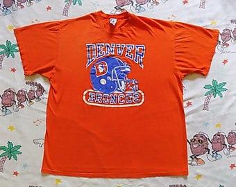 Vintage 80's Denver Broncos Helmet logo T shirt, size Large by Logo 7 sooo soft and thin Burnout NFL