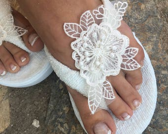 French Lace Flip Flops slippers..Bridal ivory Flip flops. wedding flip flops slippers..bride bridesmaids slippers.. wedding slippers lace