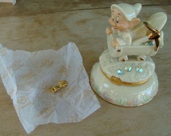 Lenox Treasures Snow White And The Seven Dwarfs Dopey Figural Treasure Pin Dish Trinket Box With Original Box Hand Painted Gold 24kt