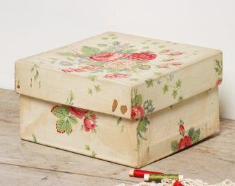 Boîte en tissus, boîte à couture, tissu à roses,  frenchvintagecharm , style shabby chic