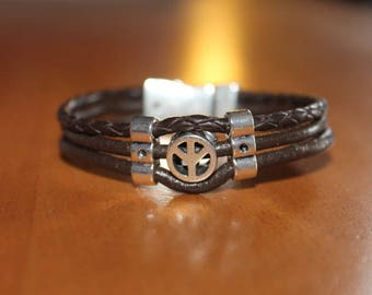 Brown Leather Bracelet Dragon with a magnetic clasp