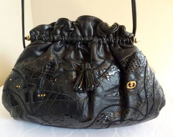 BEAUTIFUL Vintage 1980's Black Leather Handbag MADE In ITALY - Lovely!!
