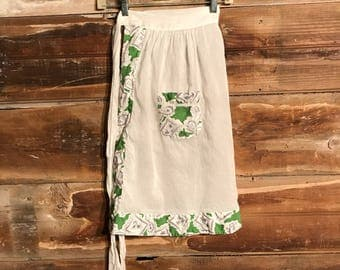 Vintage White Apron * French Country Apron * Green and Gray Trim * Vintage Kitchen * Mothers Day Gift
