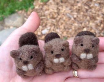 Mini Needle Felted Beaver - ONE