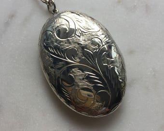 Vintage Sterling Silver Locket Pendant Necklace