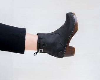 Brown Leather Clog Boots for Women Swedish Clog Ankle Boots Zipper Black And Navy Nubuck High Heel Wooden Base Sandgrens Manhattan