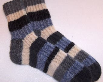 Hand knitted mens   wool socks. SizeEU-43,5-44 US-10,5-11