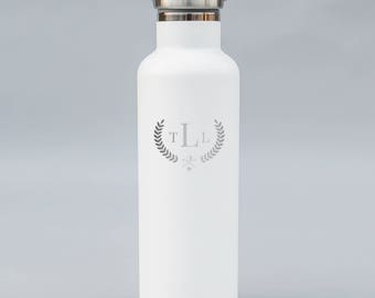 Classic Style Personalized Engraved Golf Water Bottle   Double-Insulated Water Bottle   Elemental Bottles   25 oz. with Bamboo Cap