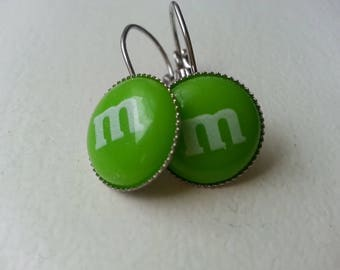 Silver cabochon earring M green resin