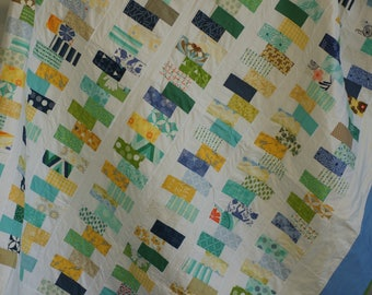 Queen size quilt. Blue and green quilt. Modern patchwork quilt. Zipper quilt. Modern bedding.