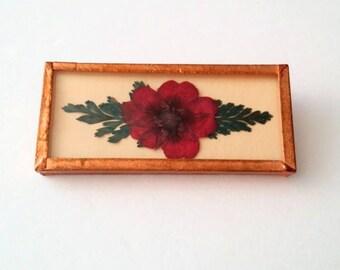 Vintage Gold Tone Encapsulated Floral Brooch
