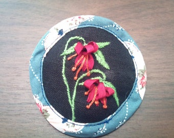 brooch embroidered fuschia