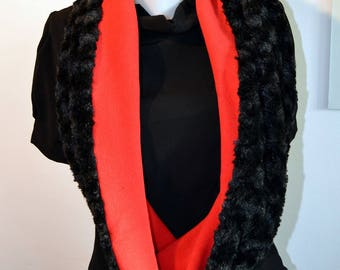 red and black snood