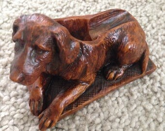 Dog Pipe Holder with Fabulous Detail