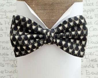 Hearts print bow tie for men, pre tied or self tie bow tie