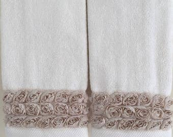 FRILLY LACE Fingertip/Guest Towels (2) IVORY Velour 100% Cotton New Custom-embellished