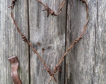 metal wire heart decor barbed wire heart rusty barb wire rusted metal heart primitive simple industrial rustic design photo prop decoration