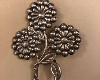 Vintage sterling silver flower brooch