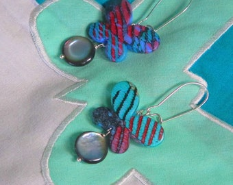 REVA REVA earrings with blue and pink butterfly and round Pearl of Tahiti
