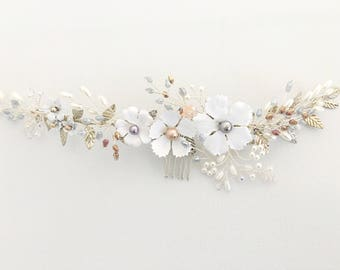 Flower and Leaves Comb. Bridal Comb. Blush White Floral Hair Accessory. Wedding Headpiece
