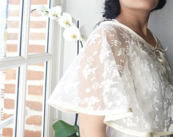 Beautiful cape / ivory floral lace wedding shawl