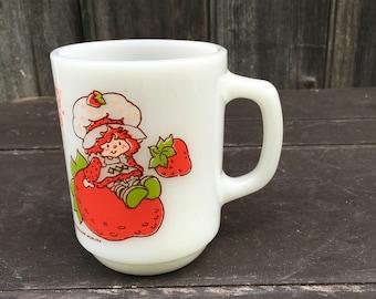 Strawberry shortcake American Greetings 1980 anchor hocking milk glass mug