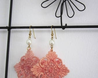 Earrings lace powder