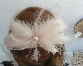 Elegant powder pink feather hair comb