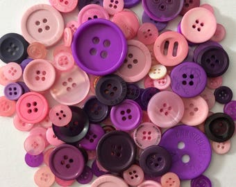Mix of 100 buttons of various sizes (Ref.170216.4)