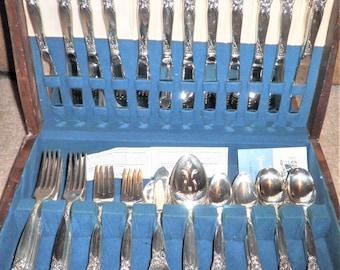 Vintage 81 piece Onedia Silversmith Country Lane Ballad Rose pattern silverware set