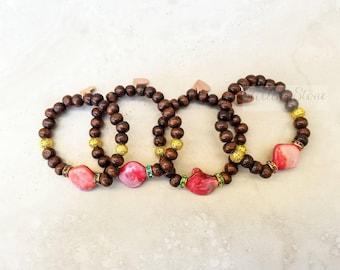 Shell bracelet, stretch bracelet, stackable bracelet, beaded bracelet, rhinestone bracelet, natural shells, pink bracelet, pink shells