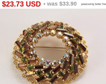 Brown Scarf Pin Vintage Jewelry 1950 Brooch Gift For Mom Vintage Christmas Rhinestone Brooch Vintage Jewelry Circle Scarf Pin