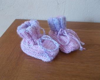 Woolen 0/3 months booties (Pink/Purple multicolor)