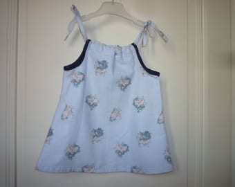 Baby knotted straps dress, size 12 months, light blue little pigs
