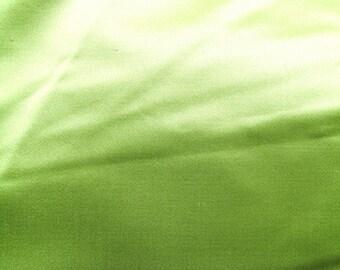 HIGH END GREEN 50 DUCHESS SATIN / 121CM