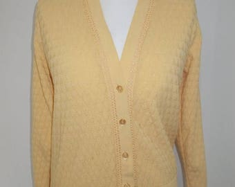 summer sale Vintage 70s lemon granny style cardigan by Warmspun size large