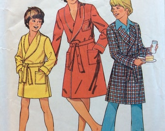 Simplicity 7066 boys robe in two lengths size 10 & 12 vintage 1970's sewing pattern