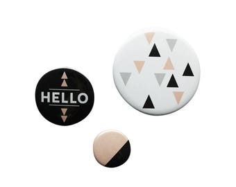 Set of 3 badges - triangles pattern - pink and black