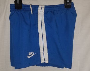 Vintage 1970's Men's Nike Cotton Shorts with Brief lining and Back Pocket sz M