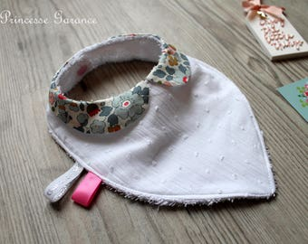 Birth, teething * bandana bib, cotton, Liberty Betsy porcelain, Peter Pan collar, sponge, in STOCK