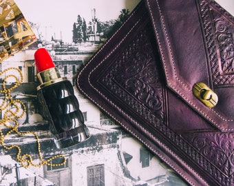 Dark purple leather pouch - make by hand at the Morocco