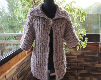 hand knitted knitted jacket, mesh, beige,