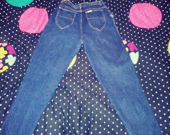 Women's vintage Sasson jeans 28 inch waist 28 inch inseam High waist pleated