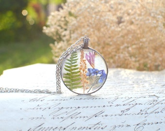 Fern, wildflower and forget-me-not TERRARIUM necklace, purple flower, wildflower, terrarium jewelry, vegan jewelry, pressed flower pendant
