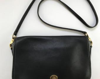 Vintage Black Coach Pocket Purse   Leather Crossbody Bag